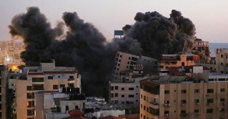 İsrail 13 katlı binayı vurdu