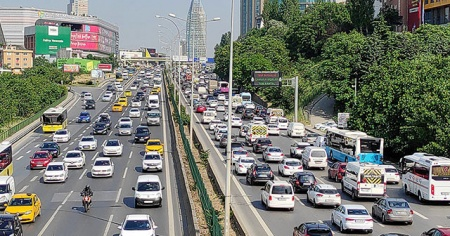 İstanbul'da kısıtlama öncesi trafik yoğunluğu