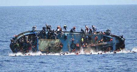 Nijerya'ya can pazarı: 160 yolculu tekne battı