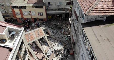 Sondakika: Zeytinburnu'nda 5 katlı bina çöktü