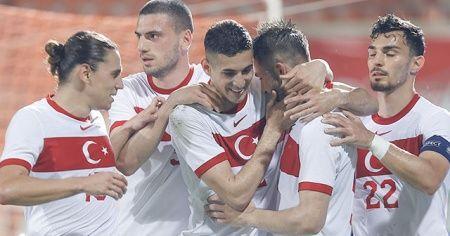 Türkiye, Azerbaycan'ı 2-1 mağlup etti