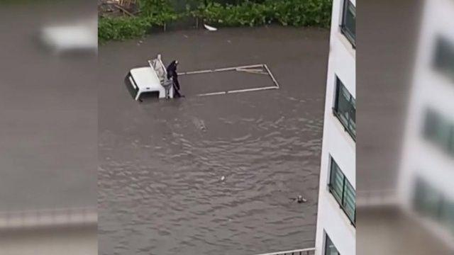 Ankara'da yollar havuza döndü