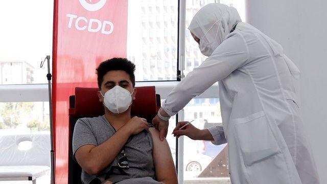 Ankara Yüksek Hızlı Tren Garı'nda aşı yapılmaya başlandı