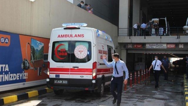 AVM'nin terasından atlayan genç kız betona çakıldı