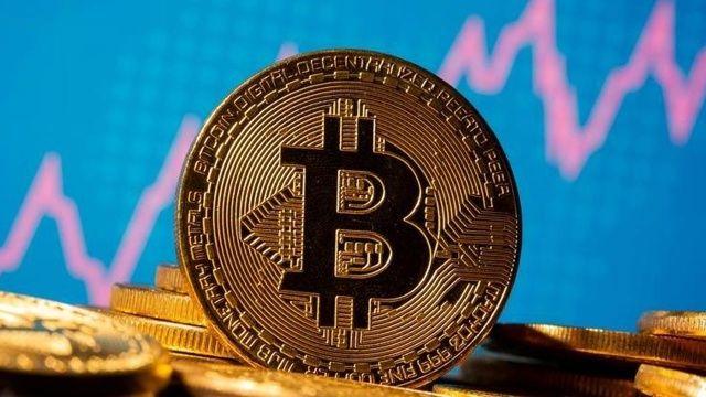 Bitcoin hareketlendi, uzmanlardan kritik uyarı geldi