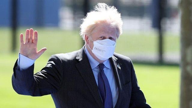 Boris Johnson'dan Sağlık Bakanı Hancock'a: Tamamen umutsuz vaka