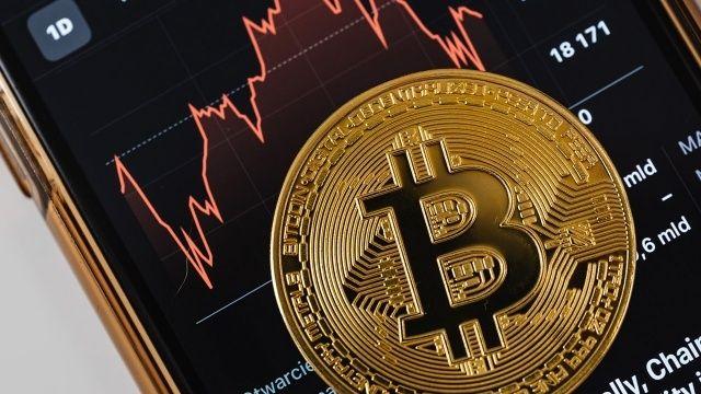 Bitcoin 30 bin doların altına geriledi