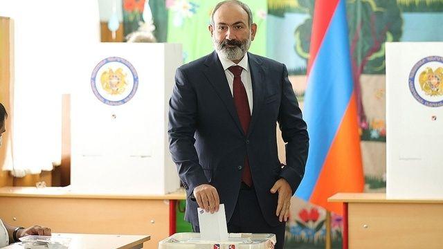 Ermenistan'da seçimi Paşinyan'ın partisi kazandı