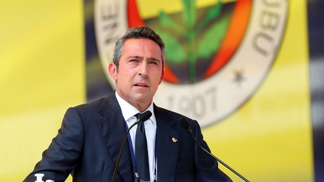 Fenerbahçe'de büyük gün: Yeni hoca açıklanıyor
