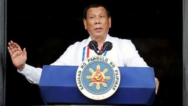 Filipinler'de aşı olmayı reddedenlere hapis tehdidi