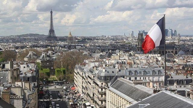 Fransa'da sağlık kartı uygulaması başlıyor