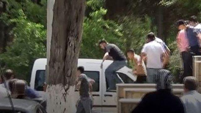 Gazeteciye tekmeli yumruklu saldırı