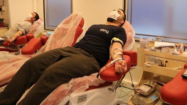 Koronavirüsü atlatan kişiler kan verebilir