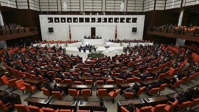 Meclis'te rekor fezleke sayısı