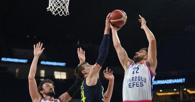 Olaylı maçta kazanan Anadolu Efes