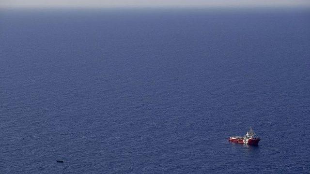 Yemen açıklarında göçmen teknesi battı