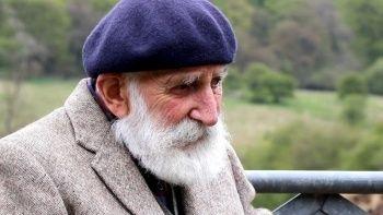 84 yaşındaki eski çiftçi yanlışlıkla YouTube yıldızı oldu