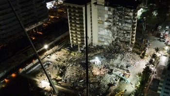 ABD'de çöken binada can kaybı 12'ye yükseldi