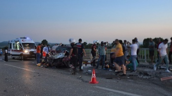 Çanakkale'de feci kaza! Ölü ve yaralılar var