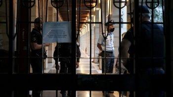 Ceza indirimi alan rahip kezzapla saldırdı: 11 yaralı