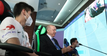 Cumhurbaşkanı Erdoğan e-Spor Turnuvası'nın final maçını izledi