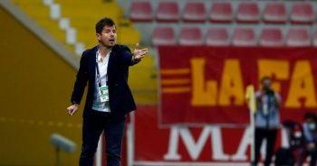 Emre Belözoğlu, resmen Fenerbahçe'den ayrıldı