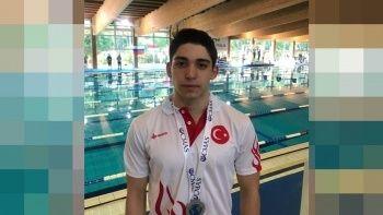 Genç milli yüzücü Kaan Kahraman dünya ikincisi oldu