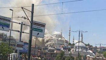 İstanbul'da oyuncak deposunda yangın
