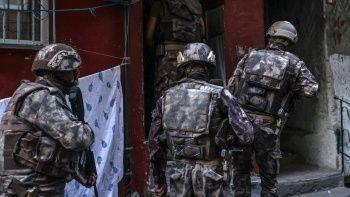 İstanbul'un 6 ilçesinde narkotik baskını!