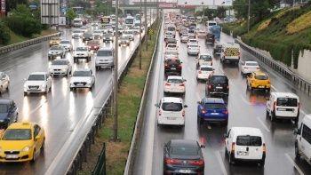 İstanbul trafiğine sağanak etkisi