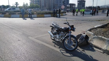 Motosiklet ile traktör kavşakta çarpıştı: 1 ölü
