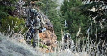 PKK'ya pençe darbesi: 8 PKK'lı terörist etkisiz hâle getirildi