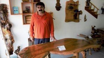 Sivas'ta kurt figürlü masa görenlerin dikkatini çekti