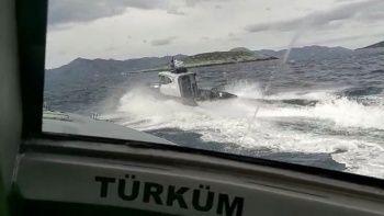 Yunan sahil güvenlik botu ihlal ettiği Türk kara sularından çıkarıldı