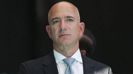 Bezos'un yanında uzaya gitmek 28 milyon dolar