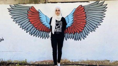 İsrail güçleri Filistinli aktivist Muna el-Kurd'u tutuklandı