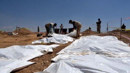 Irak'ta DEAŞ katliamı: Toplu mezar bulundu