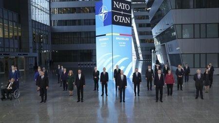 NATO Zirvesi'nde diplomasi trafiği