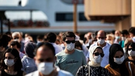 Pazar yasağı ve maske zorunluluğu kalkacak mı? Gözler Kabine'de