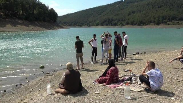 3 çocuğunu kurtarmak için suya giren baba boğularak hayatını kaybetti