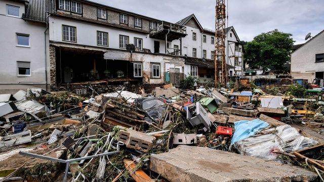 Almanya'da durum vahim: Bin 300 kişi kayıp, onlarca ölü var, yardım isteyenler kurtarılamıyor