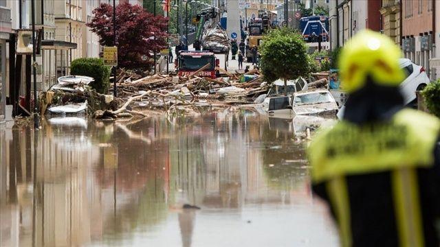 Almanya'da sel felaketi! Ölü sayısı arttı