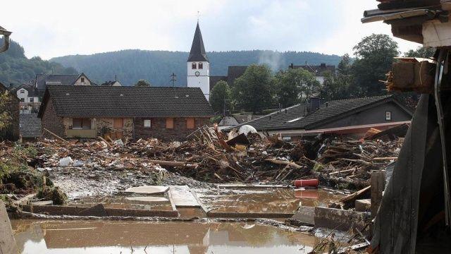 Almanya'daki sel felaketinde ölü sayısı 160'ı aştı