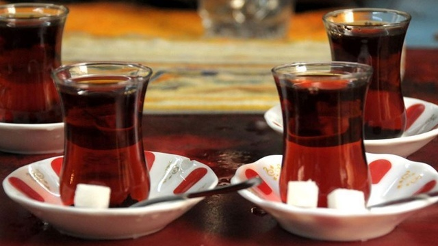 Çayın fiyatını müşterinin hitabı belirliyor