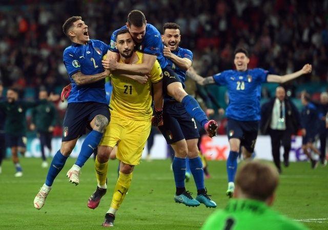 EURO 2020 finalini 8 yıl önce bilmiş!