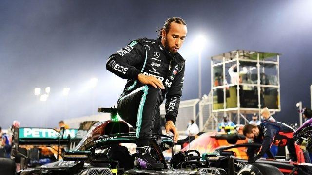 F1 Britanya Grand Prix'sinde zafer Hamilton'ın