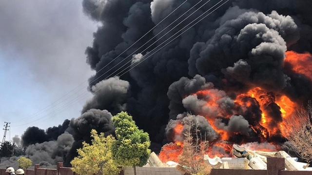 Gaziantep'te depoda yangın: Yerleşim yerleri tahliye ediliyor