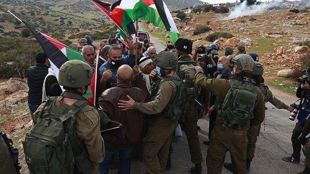 İşgalci İsrail güçleri, Şeyh Cerrah'ta Filistinlilere saldırdı