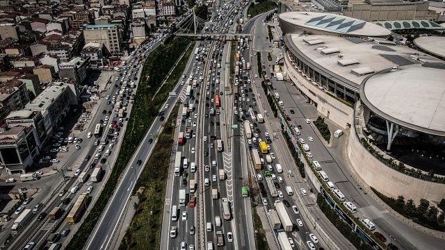 İstanbul'un trafik sıkışıklığı 153 saatten 45'e indi