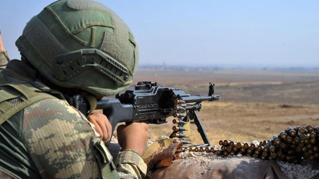 Komandolarımızdan teröriste geçit yok: 2 terörist öldürüldü